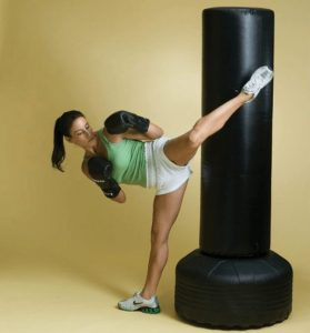 how to choose a punching bag for home